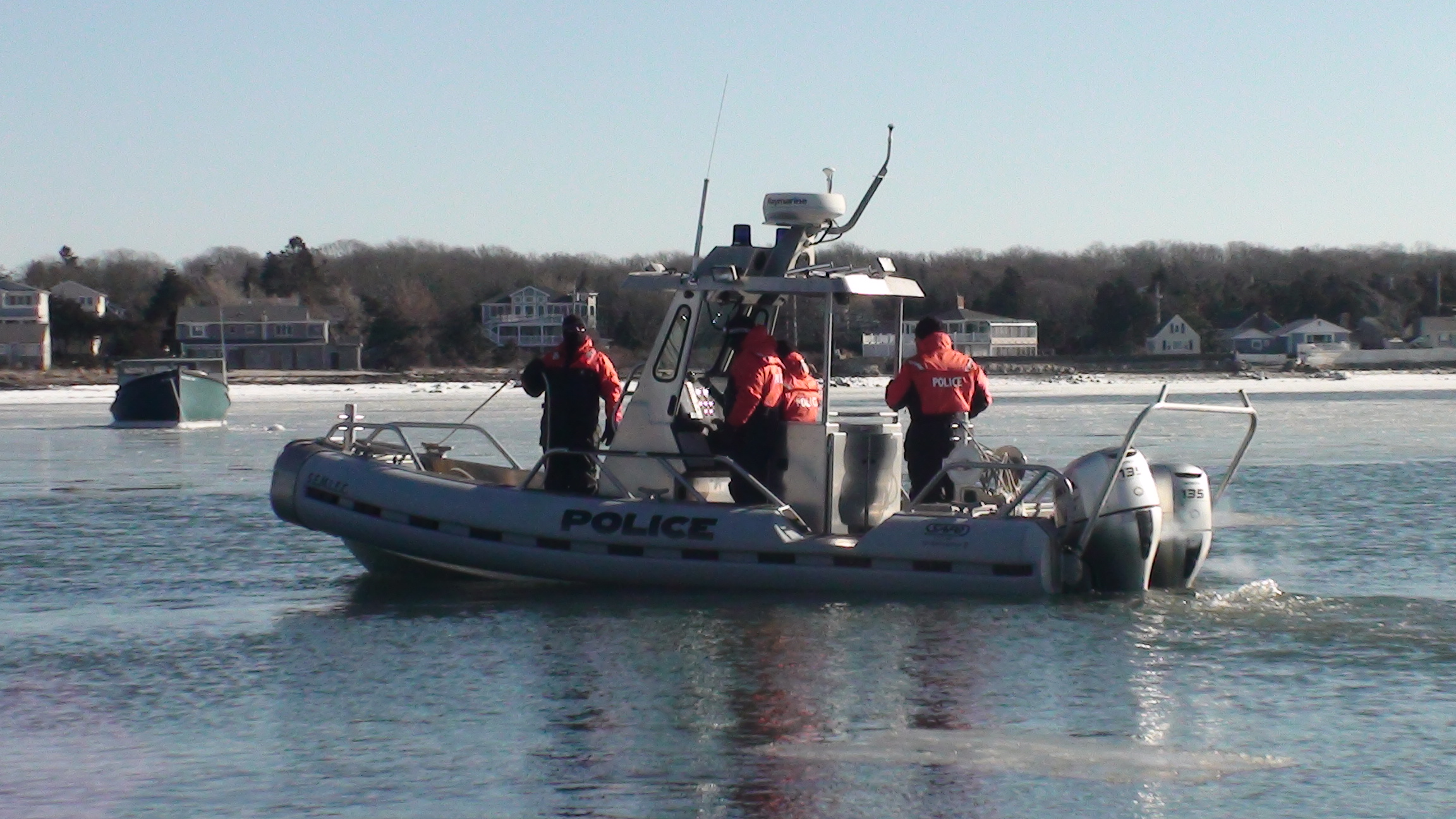 SEMLEC DIVE TEAM LAUNCH FROM HOPPY'S LANDING